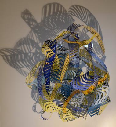 Papierschnitt Bettina Specht- Frei schwebend